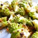 Roasted romanesco cauliflower with hints of garlic and lemon, vegetarian, vegan, paleo, gluten-free