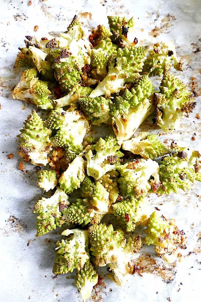 Roasted romanesco cauliflower with hints of garlic and lemon, vegetarian, vegan, paleo, gluten-free