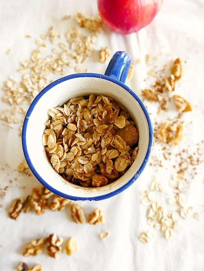 Vegan and gluten-free single serve microwave apple crisp