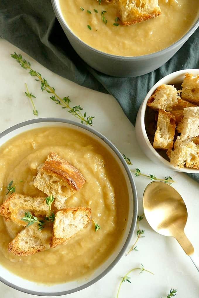 Vegan roasted parsnip and pear blender soup