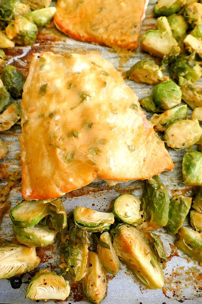 30 minute sheet pan salmon and brussels sprouts! A healthy and delicious meal for weeknights.